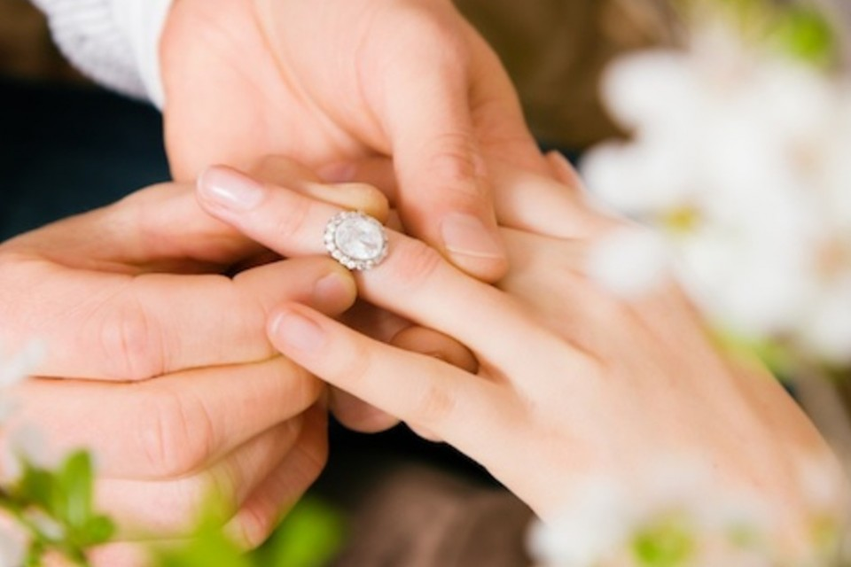 ادعای عسر و حرج در طلاق از سوی زوجه