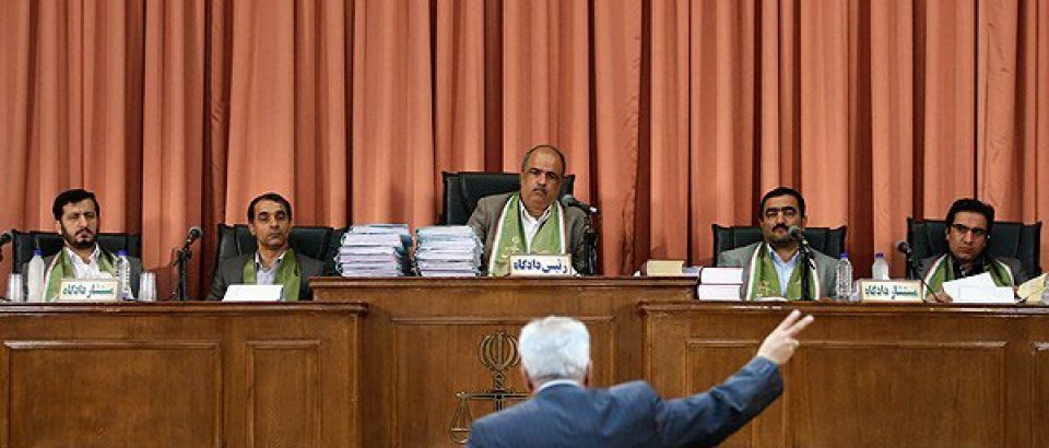 ادعای مستقل نبودن وکلای مرکز امورمشاوران، عوامفریبانه است