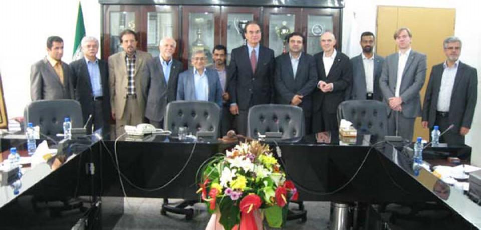 صورتجلسه شورای اجرایی اتحادیه سراسری کانونهای وکلای دادگستری ایران مورخ ۹۵/۴/۳۰