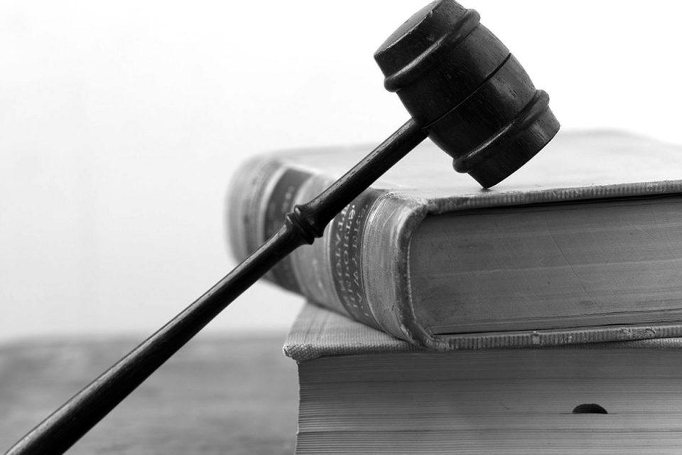 وظیفه قانونی کارفرما در برخورد با کارگر متخلف